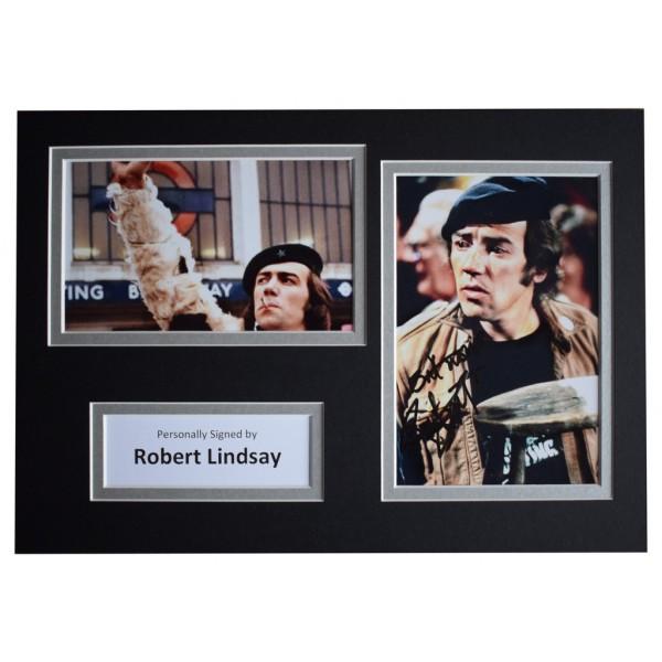 Robert Lindsay Signed Autograph A4 photo display Citizen Smith AFTAL  COA Memorabilia PERFECT GIFT
