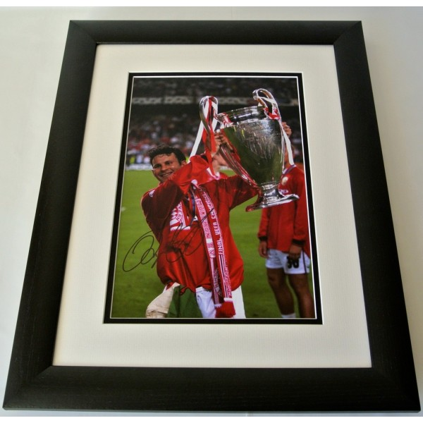 Ryan Giggs SIGNED FRAMED Photo Autograph 16x12 Huge display Manchester United     PERFECT GIFT
