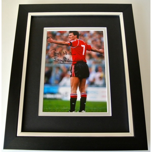 Bryan Robson SIGNED 10x8 FRAMED Photo Autograph Display Manchester United PROOF  PERFECT GIFT CLEARANCE