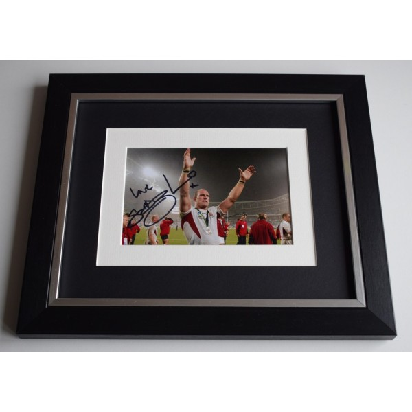 Lawrence Dallaglio SIGNED 10x8 FRAMED Photo Autograph Display Rugby   AFTAL & COA Memorabilia PERFECT GIFT
