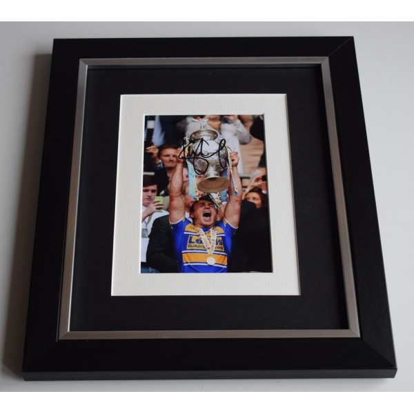 Kevin Sinfield SIGNED 10x8 FRAMED Photo Autograph Display Leeds Rhinos  AFTAL & COA Memorabilia PERFECT GIFT