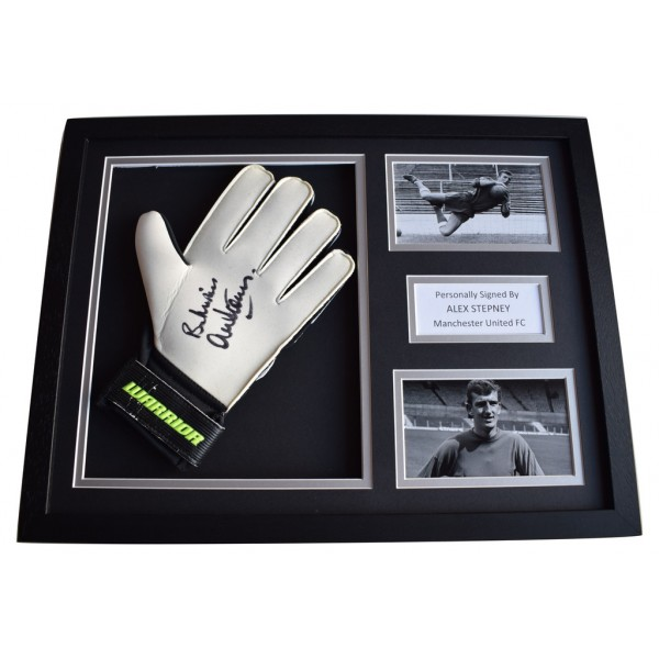 Alex Stepney Signed FRAMED Goalkeeper Glove 16x12 photo display Manchester Utd AFTAL  COA Memorabilia PERFECT GIFT