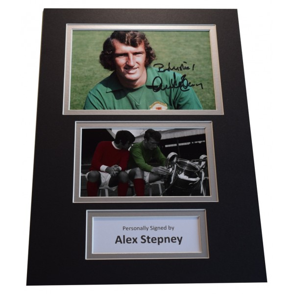 Alex Stepney Signed Autograph A4 photo display Manchester United  AFTAL &  COA Memorabilia PERFECT GIFT