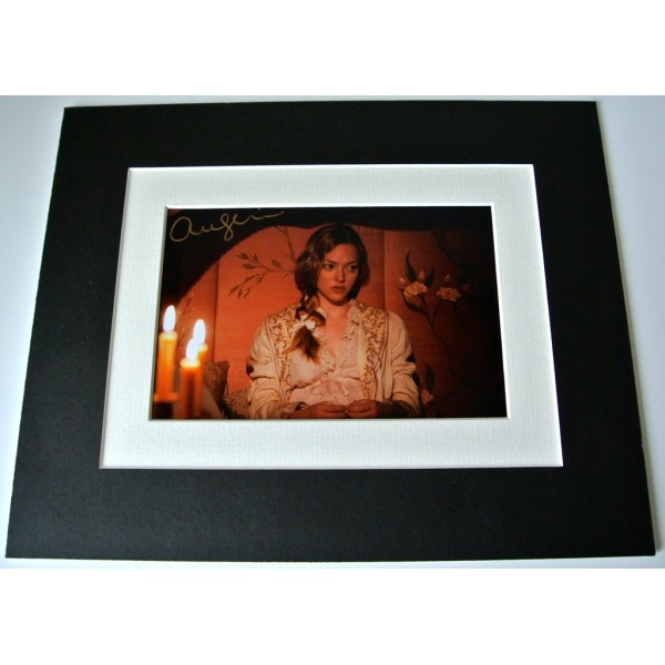 Amanda Seyfried Signed Autograph 10x8 photo display Les Miserables Film & COA  PERFECT GIFT
