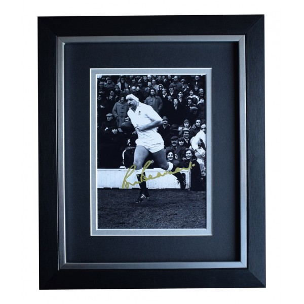Bill Beaumont SIGNED 10x8 FRAMED Photo Autograph Display England Rugby Union   AFTAL  COA Memorabilia PERFECT GIFT