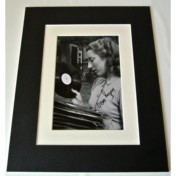 Vera Lynn Signed Autograph 10x8 photo mount display WW2 Forces Music & COA   PERFECT GIFT