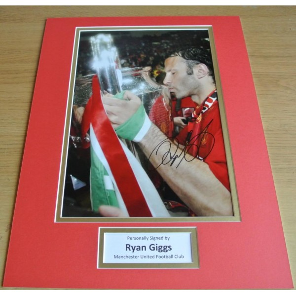 Ryan Giggs SIGNED autograph 16x12 photo display Manchester United Football COA   PERFECT GIFT