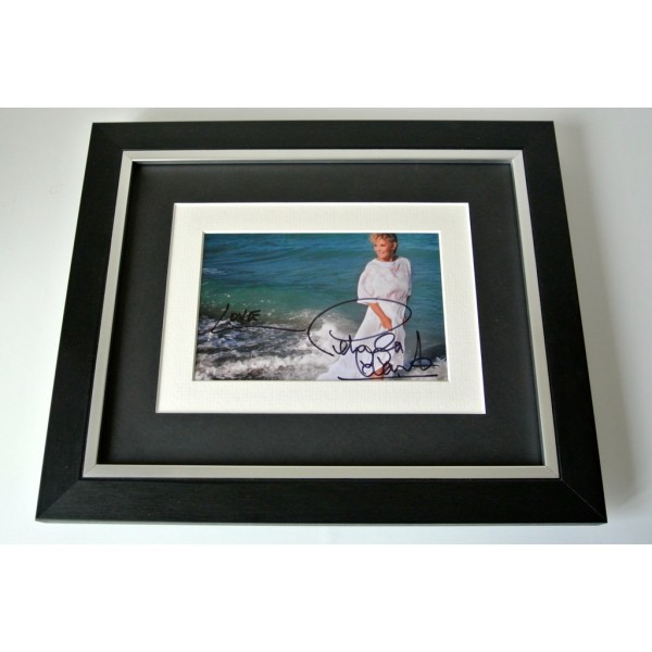 Petula Clark SIGNED 10x8 FRAMED Photo Autograph Display Downtown Music & COA  PERFECT GIFT