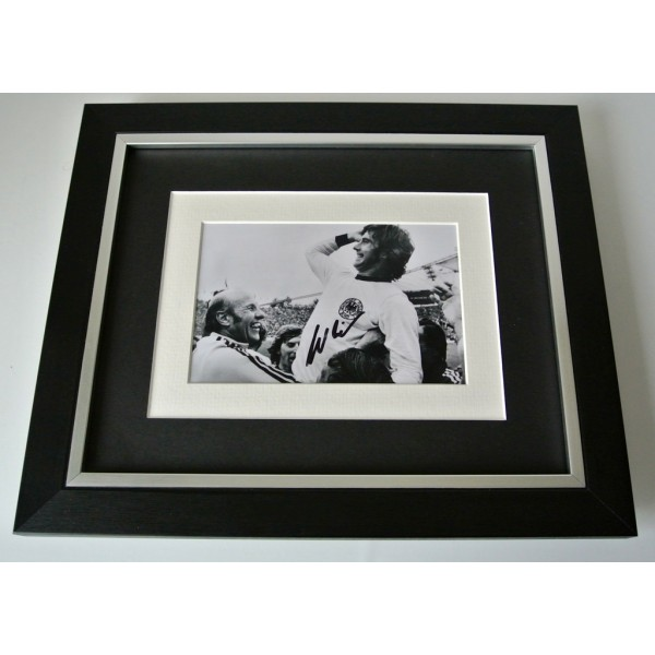 Gerd Muller SIGNED 10x8 FRAMED Photo Autograph Display Germany Football & COA  PERFECT GIFT
