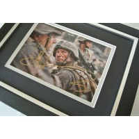 Aaron Eckhart SIGNED 10x8 FRAMED Photo Autograph Display Battle Los Angeles Film    PERFECT GIFT