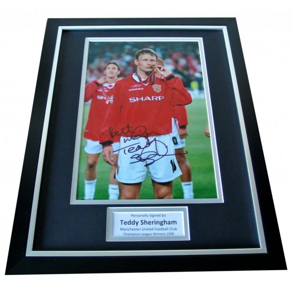 Teddy Sheringham Signed & FRAMED Photo Autograph Display Manchester United & COA PERFECT GIFT