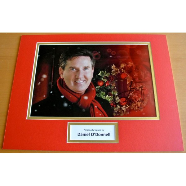DANIEL O'DONNELL HAND SIGNED AUTOGRAPH 16x12 PHOTO MOUNT DISPLAY MUSIC COA   PERFECT GIFT