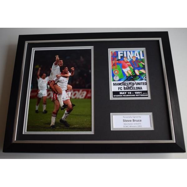 Steve Bruce SIGNED FRAMED Photo Autograph 16x12 display Manchester United AFTAL & COA Memorabilia PERFECT GIFT