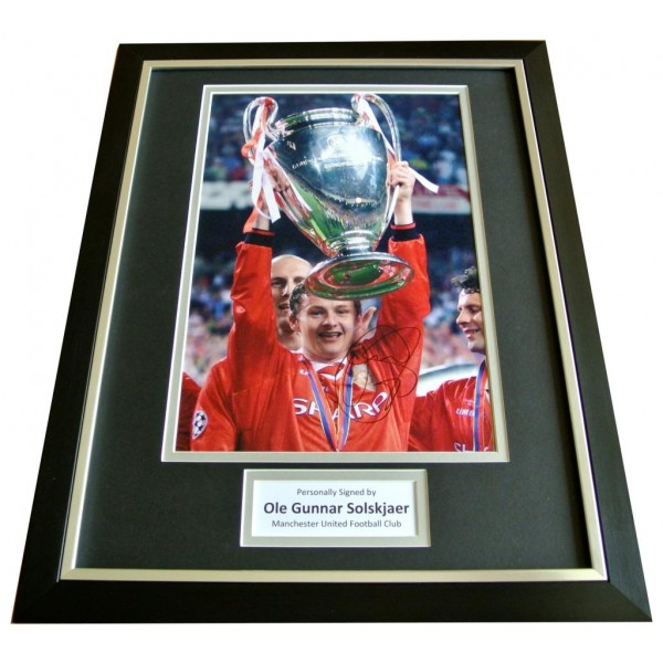 OLE GUNNAR SOLSKJAER HAND SIGNED & FRAMED AUTOGRAPH PHOTO DISPLAY MAN UTD & COA  PERFECT GIFT