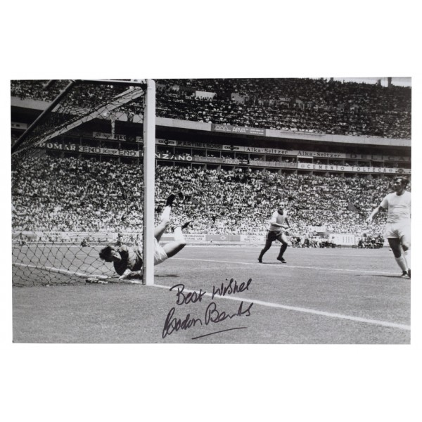 Gordon Banks SIGNED 12x8 Photo Autograph England Football  AFTAL  COA Memorabilia PERFECT GIFT