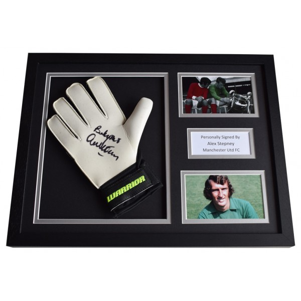 Alex Stepney Signed FRAMED Goalkeeper Glove 16x12 photo Manchester United AFTAL  COA Memorabilia PERFECT GIFT