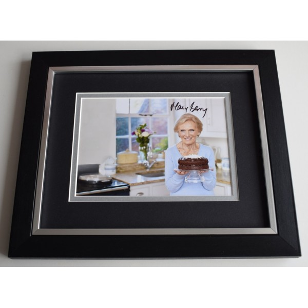Mary Berry SIGNED 10x8 FRAMED Photo Autograph Display Bake Off TV  AFTAL  COA Memorabilia PERFECT GIFT