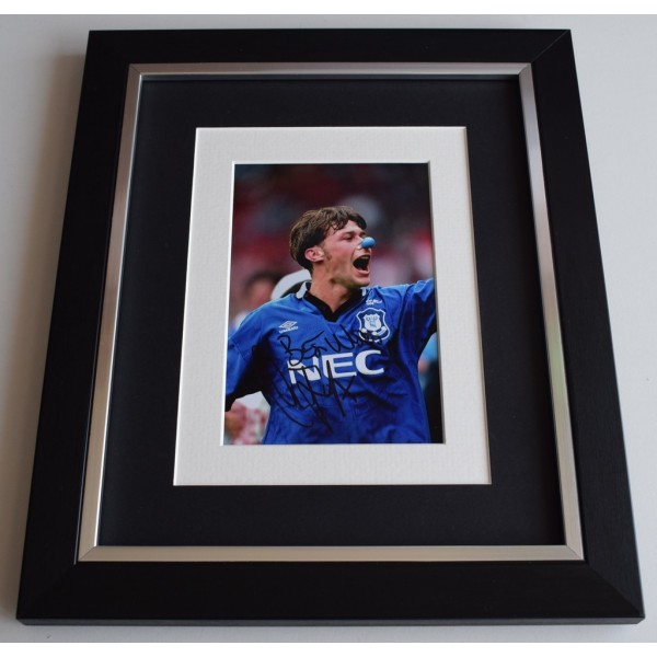 Duncan Ferguson SIGNED 10x8 FRAMED Photo Autograph Display Everton Football  AFTAL  COA Memorabilia PERFECT GIFT