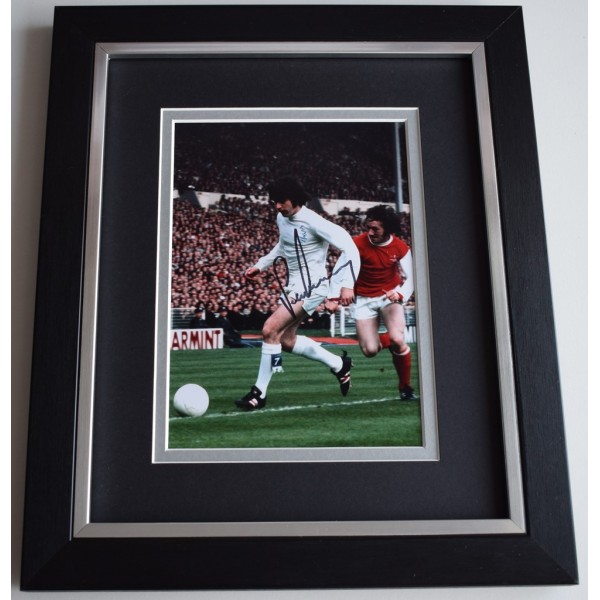 Peter Lorimer SIGNED 10x8 FRAMED Photo Autograph Display Leeds United    AFTAL  COA Memorabilia PERFECT GIFT