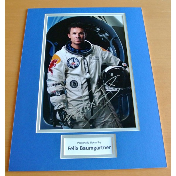 FELIX BAUMGARTNER HAND SIGNED AUTOGRAPH 16x12 PHOTO DISPLAY GIFT SPACE JUMP COA CLEARANCE