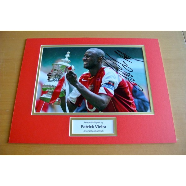 PATRICK VIEIRA HAND SIGNED AUTOGRAPH 16x12 PHOTO DISPLAY ARSENAL GIFT & COA PERFECT GIFT