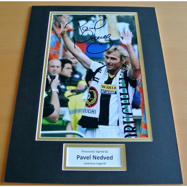 PAVEL NEDVED HAND SIGNED AUTOGRAPH 16x12 PHOTO DISPLAY JUVENTUS FOOTBALL & COA         PERFECT GIFT