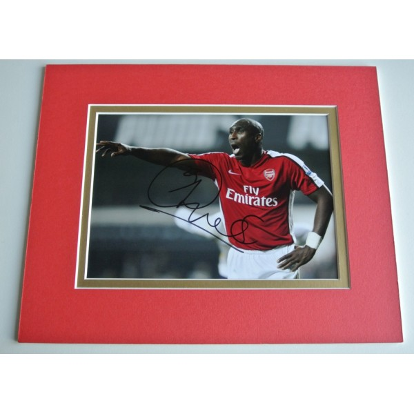Sol Campbell Signed Autograph 10x8 photo mount display Arsenal Football & COA PERFECT GIFT