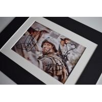 Aaron Eckhart Signed Autograph 10x8 photo display Batman Film  AFTAL & COA Memorabilia PERFECT GIFT