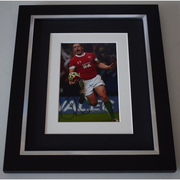 Shane Williams SIGNED 10x8 FRAMED Photo Autograph Display Rugby Union AFTAL  COA Memorabilia PERFECT GIFT