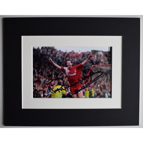 Ronnie Whelan Signed Autograph 10x8 photo display Liverpool Football  AFTAL  COA Memorabilia PERFECT GIFT