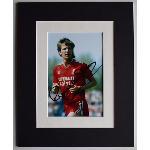 Ronnie Whelan Signed Autograph 10x8 photo display Liverpool Football  AFTAL  COA Memorabilia PERFECT GIFT