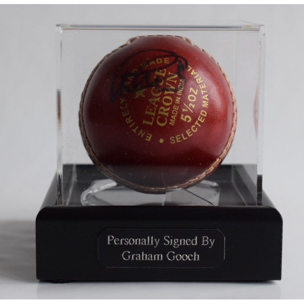 Graham Gooch Signed Autograph Cricket Ball Display Case Sport England   AFTAL & COA Memorabilia PERFECT GIFT