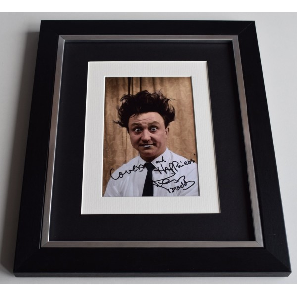 Ken Dodd SIGNED 10x8 FRAMED Photo Autograph Display Comedian  AFTAL & COA Memorabilia PERFECT GIFT
