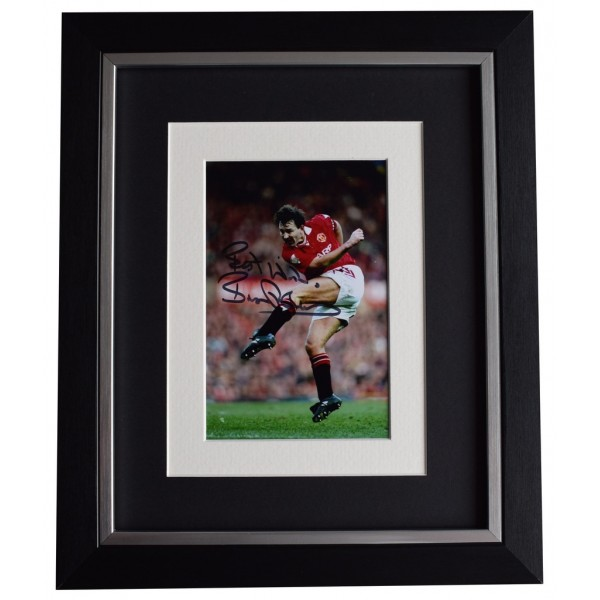 Bryan Robson SIGNED 10x8 FRAMED Photo Autograph Display Manchester United  AFTAL  COA Memorabilia PERFECT GIFT
