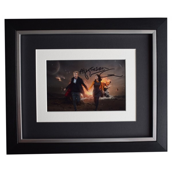 Peter Capaldi SIGNED 10x8 FRAMED Photo Autograph Display Doctor Who  AFTAL  COA Memorabilia PERFECT GIFT