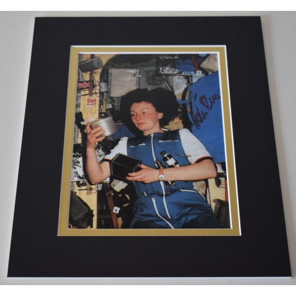 Helen Sharman Signed Autograph 10x8 photo display Space       AFTAL & COA Memorabilia PERFECT GIFT