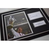 Steve McManaman SIGNED FRAMED Photo Autograph 16x12 display Real Madrid  AFTAL & COA Memorabilia PERFECT GIFT