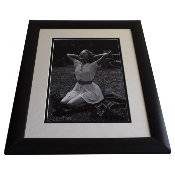 Vera Lynn SIGNED FRAMED Photo Autograph 16x12 LARGE display WW2 Music  AFTAL & COA  PERFECT GIFT