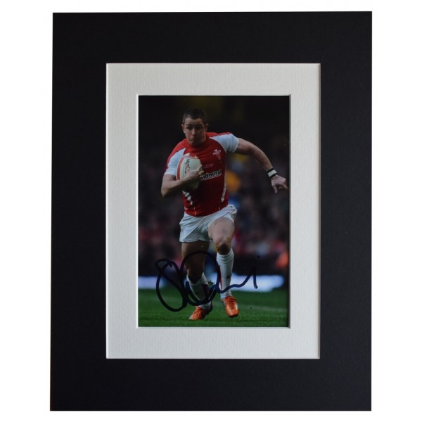 Shane Williams Signed Autograph 10x8 photo display Rugby Union Sport AFTAL  COA Memorabilia PERFECT GIFT