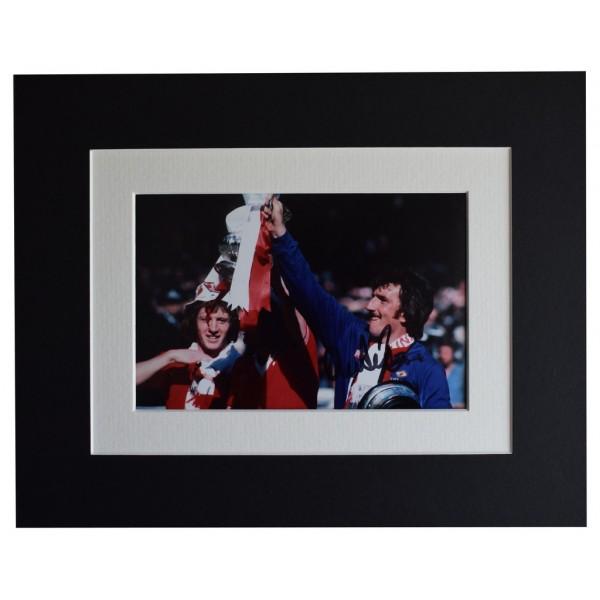 Alex Stepney Signed Autograph 10x8 photo display Manchester Utd Football  AFTAL  COA Memorabilia PERFECT GIFT