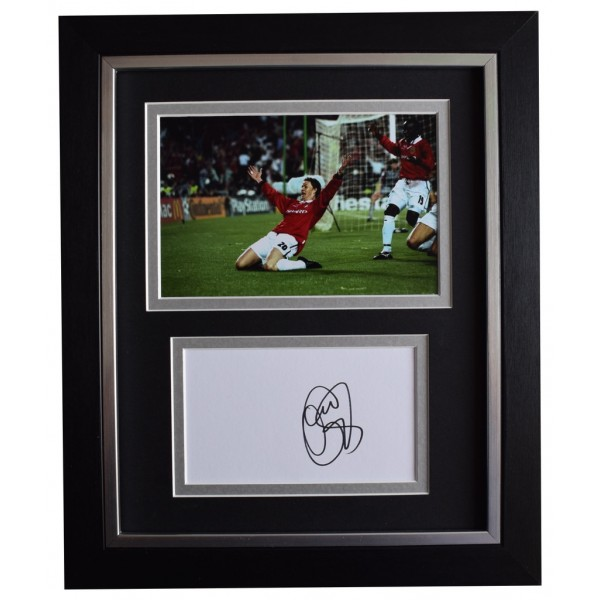 Ole Gunnar Solskjaer SIGNED 10x8 FRAMED Photo Autograph Display Manchester Utd AFTAL  COA Memorabilia PERFECT GIFT
