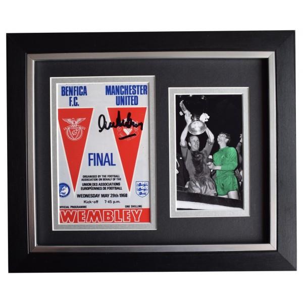 Alex Stepney SIGNED 10x8 FRAMED Photo Autograph Man Utd 1968 European Cup final AFTAL  COA Memorabilia PERFECT GIFT