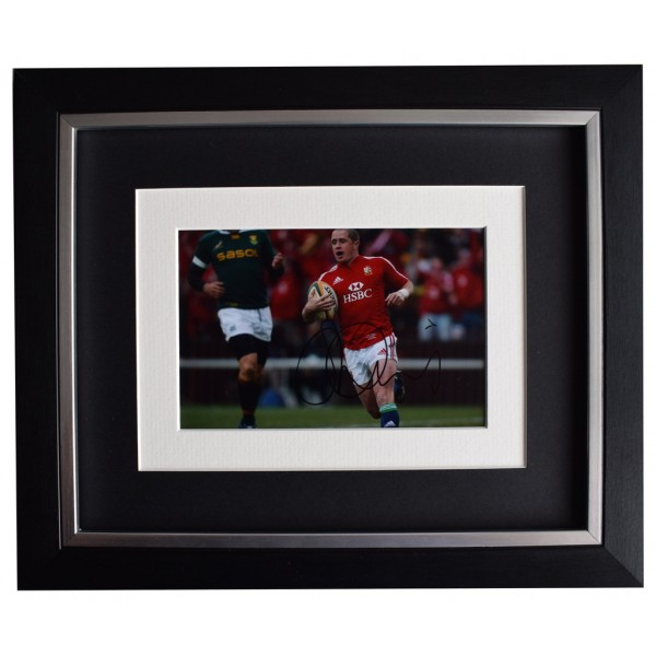 Shane Williams SIGNED 10x8 FRAMED Photo Autograph Display Wales Rugby Union AFTAL  COA Memorabilia PERFECT GIFT