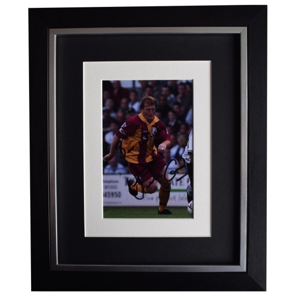 Stuart McCall SIGNED 10x8 FRAMED Photo Autograph Display Bradford City  AFTAL  COA Memorabilia PERFECT GIFT