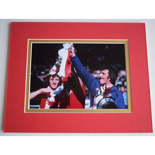 Alex Stepney Signed Autograph 10x8 photo display Manchester United   Memorabilia AFTAL & COA  PERFECT GIFT