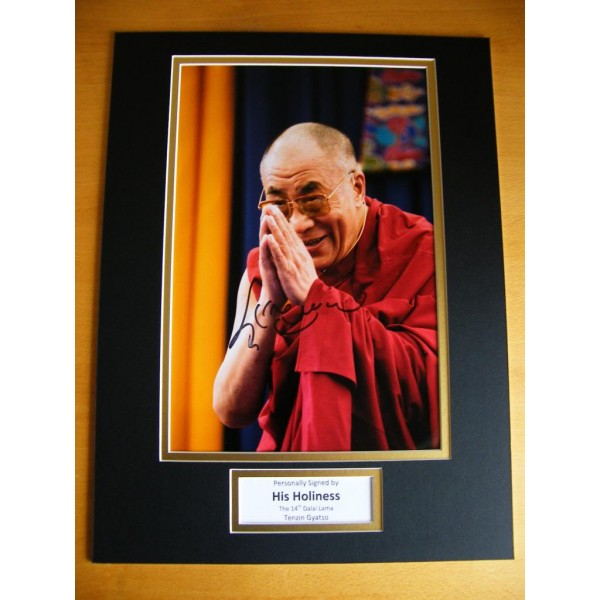 DALAI LAMA HAND SIGNED RARE AUTOGRAPH 16x12 PHOTO MOUNT & COA