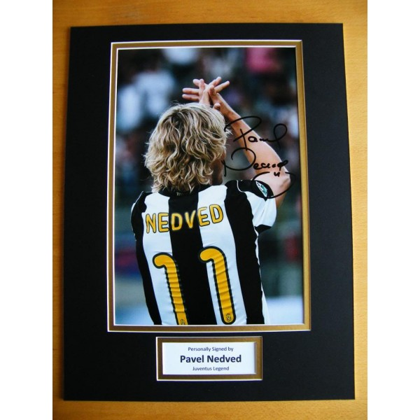 PAVEL NEDVED GENUINE HAND SIGNED AUTOGRAPH 16x12 PHOTO MOUNT JUVENTUS & COA