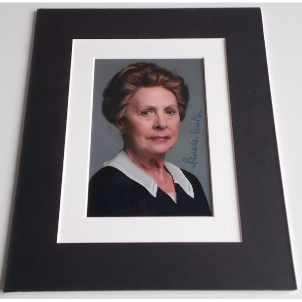 Penelope Wilton Signed Autograph 10x8 photo mount display TV Downton Abbey AFTAL & COA Memorabilia PERFECT GIFT